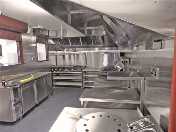 Thiết bị bếp công nghiệp đảm bảo thẩm mỹ và chất lượng