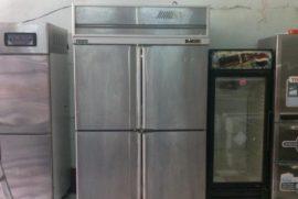 Hướng dẫn vệ sinh tủ lạnh trong bếp công nghiệp