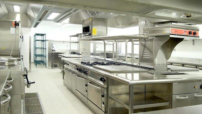 Đảm bảo an toàn vệ sinh thực phẩm với thiết bị inox bếp công nghiệp