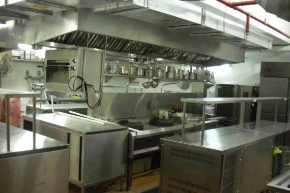 Thiết bị bếp công nghiệp chất lượng trong nhà hàng
